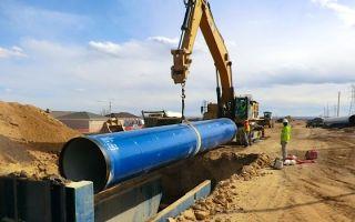 Как производится укладка трубопровода в траншею и какие трубы для этого подойдут