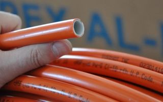 Сшитый полиэтилен: надежная труба для водоснабжения и теплых полов
